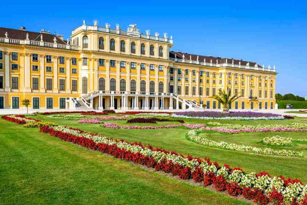 Kindermuseum Schloss Schönbrunn & Irrgarten, Labyrinth und Labyrinthikon