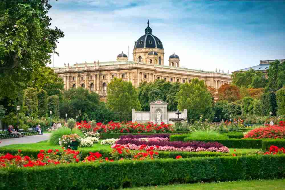 Volksgarten & Theseustempel in Vienna in Austria