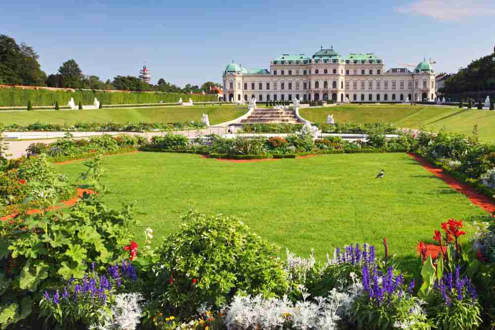 Garten im Schloss Belvedere in Vienna in Austria