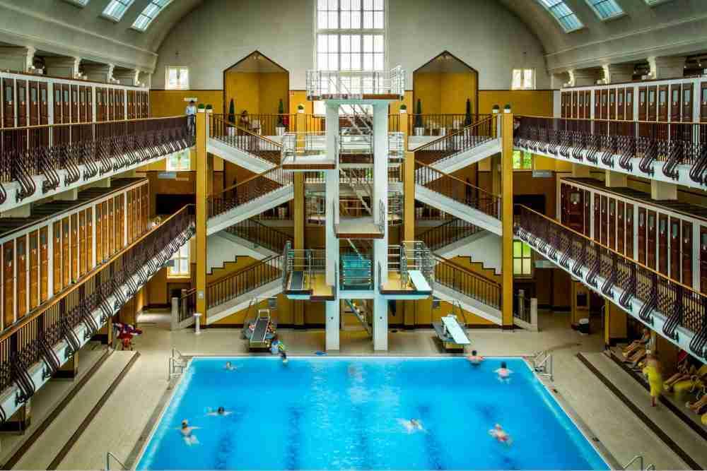 Schwimmen im Amalienbad